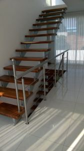 Stainless Steel Railing Wooden Staircase pictures & photos