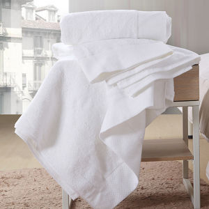 100% Cotton Hotel Bath Towel of 600GSM for Europe (DPF060912) pictures & photos