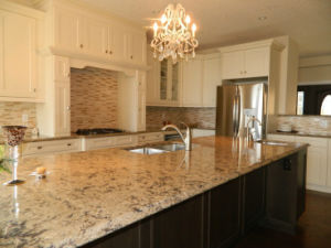 Customized Quartz Stone Countertop for Kitchen/Vanity Tops pictures & photos