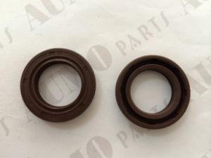 Crankshaft Oil Seal for Piaggio Zip 50 2t Engine Parts pictures & photos