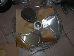 Electric Stand Fan with CB/Ce pictures & photos