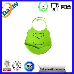 2015 China Supplier Cheap Food Grade Baby Silicone Bib pictures & photos