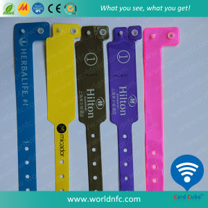 13.56MHz I-Codesli Waterproof RFID PVC Disposable Wristband pictures & photos