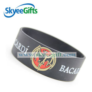 High Quality and Competitive Price Customized Silicone Wristband pictures & photos