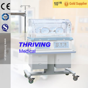 CE Quality Infant Incubator (THR-II 970) pictures & photos