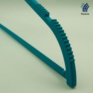 Yeelin ABS Plastic Hanger with Anti-Teeth Shirt Hanger pictures & photos