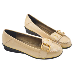 Beige Lady Patent Cow Leather Shoe with Metal Decoration (U25341)