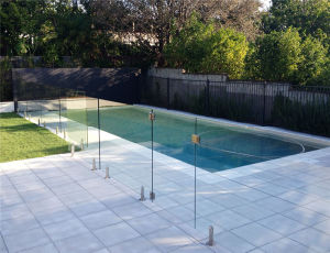 High Quality Railing Frameless Glass Fence pictures & photos