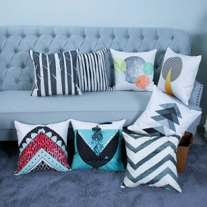 Digital Print Decorative Cushion/Pillow with Geometric Pattern (MX-37) pictures & photos