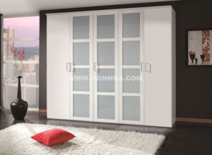 Wooden White Wardrobe with ISO and E1 Standard