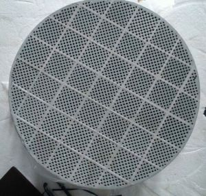 Sic Honeycomb Ceramic Wall-Flow Sic DPF pictures & photos