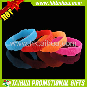 Factory Direct Sale Silicone Bracelet for Embossed (TH-band040) pictures & photos