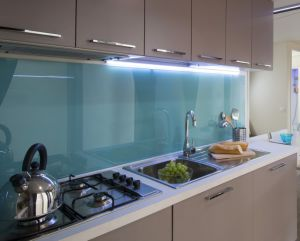 RoHS-Compliant Color Ceramic Fritted Printing Glass/ Kitchen Backsplash Worktop Glass pictures & photos