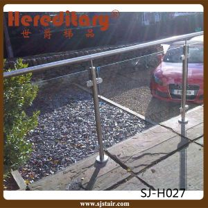 Outdoor SUS Glass Railing System for Terrace/ Stainless Steel Balustrade (SJ-H975) pictures & photos