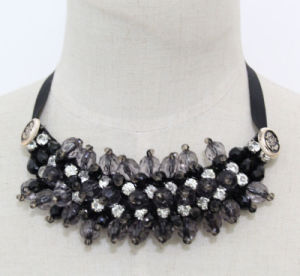 Grey Crystal Fashion Charm Chunky Choker Collar Necklace (JE0158) pictures & photos
