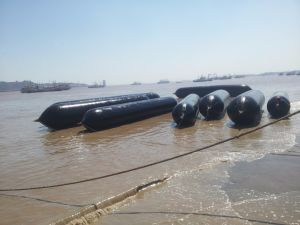 Marine Airbags for Ship Launching, Lifting, Upgrading/Lifting Inflatable Marine Airbags pictures & photos