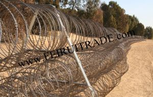 Razor Wire Trailer Form China Manufactory pictures & photos