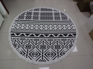 100% OEM Factory Round Beach Towel with Tassels pictures & photos