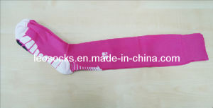 Export Quality Fashion Designs Personalized Cool Sport Soccer Socks pictures & photos