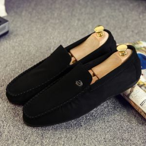 Soft Moccasins Fashion Loafers Shoe for Men High Quality Leather Shoes Man Flats Shoe pictures & photos