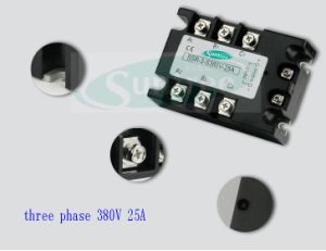12V Solid State Relay SSR Relay 0-10V Solid State Relay SSR 3-Phase pictures & photos