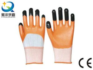 13G Polyester Shell, Orange Nitrile 3/4 Coated Safety Work Glove (N7010) pictures & photos