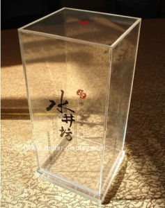 Custom Acrylic Wine Glass Display Box Btr-D2176 pictures & photos