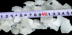 Sodium Hydroxide Flakes 99%/Caustic Soda Flakes 99% pictures & photos
