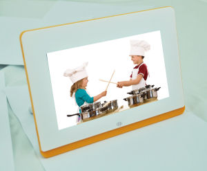 16: 9 Digital Panel 7′′ Full Function Picture Frame