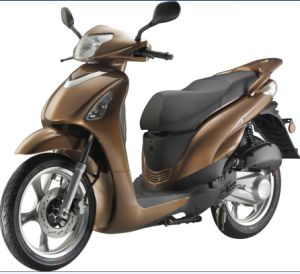 EEC Approved Hotsale Gas Scooter 125cc 300cc (HD125T-19)