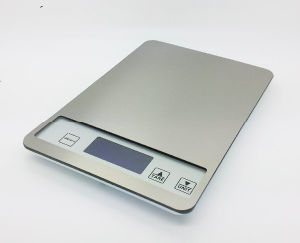 Backlit Display Weighing Household Electronic Kitchen Platform Scale pictures & photos
