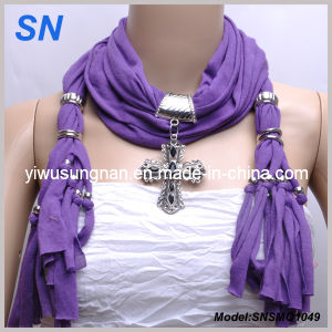 2014 New Fashion Metal Cross Pendant Scarf (SNSMQ1049) pictures & photos