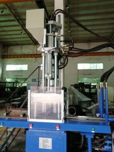 Full Automatic Vertical 2 Station Shoe Sole Injection Molding Machine pictures & photos