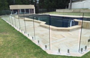 Hot Design Frameless Glass Deck Railing/Glass Balustrade pictures & photos