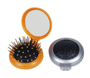 Plastic Travel Hairbrush (CM015)