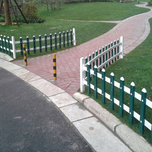 Chinese Style PVC Garden Fencing pictures & photos
