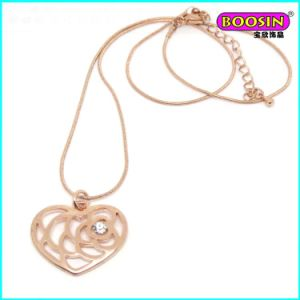 Hot Sell Custom Rose Gold Chain Heart Pendant Necklace Jewelry pictures & photos