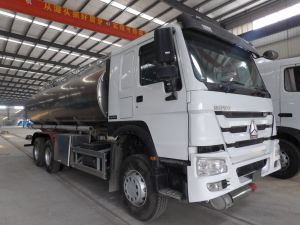 HOWO 6*4 20000litres Stainless Steel Tank Truck Fuel Oil Tank Truck pictures & photos
