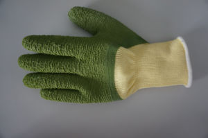 10g High Grade Polyester Latex 3/4 Coated Crinkle Safety Work Glove (L1103) pictures & photos