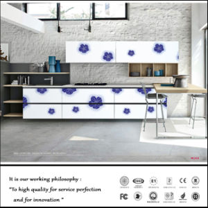 Customized High Glossy UV Kitchen Cabinet (ZH012) pictures & photos