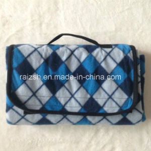 Outdoor Foldable Fleece Picnic Blanket with Handle Strap/Portable pictures & photos
