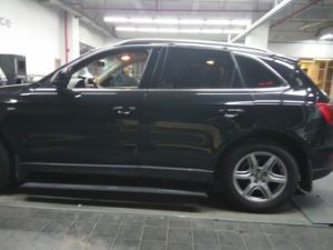 for Audi Q7 Auto Parts/Auto Accesariess Electric Running Board/Side Step/Pedal pictures & photos