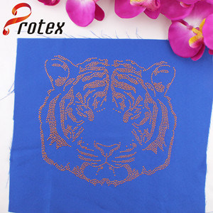 Manufacturers Wholesale Gold Tiger Hot-Fix Strass Motive Design for High Quality Shirt, Texans Custom T-Shirt pictures & photos