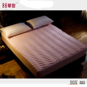 Solid Color Quilted Mattress Protector pictures & photos