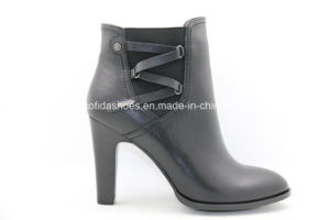 Sexy Comfort Lady Leather Warm Boots for Fashion Women pictures & photos
