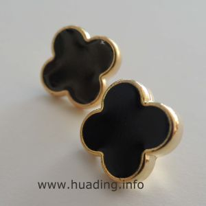 Simple But Elegant Sewing Button with Flower Shape B655 pictures & photos