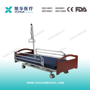 Three Functions Wooden Electric Homecare Bed (XH-C-2) pictures & photos