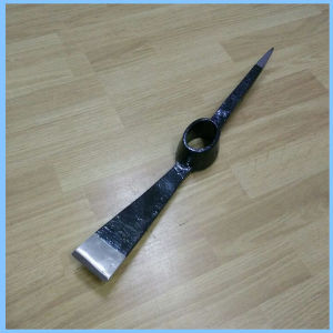 Forged Steel Pickaxe Head for Gardening Work pictures & photos