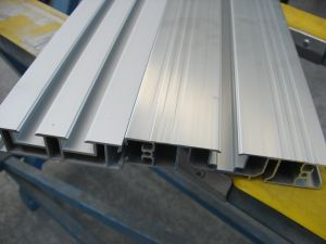 Aluminium Extrusion for Conveyor pictures & photos