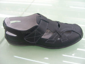 Lady Genuine Leather Rubber Outsole Leisure and Comfortable Causual Women Sandals pictures & photos